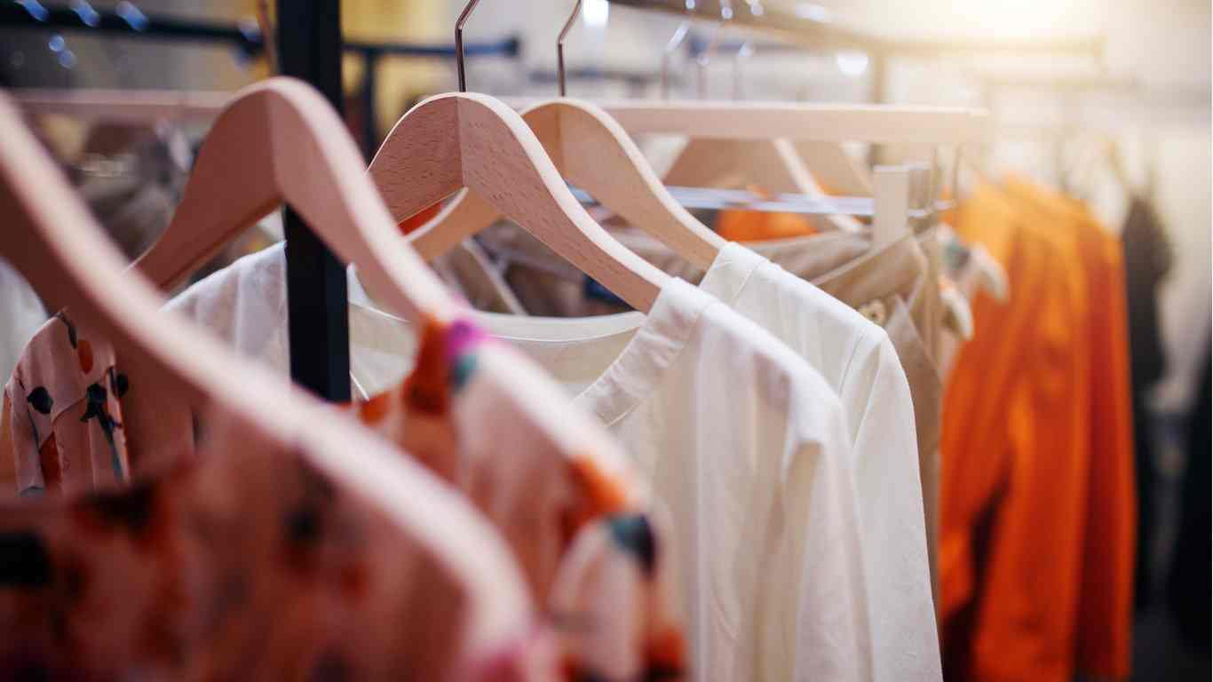 Get Different Types of Hangers in the Cotton City Coimbatore